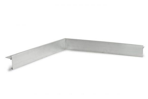 De binnenhoek heeft twee gelijke zijdes met elk een lengte van 500 mm
